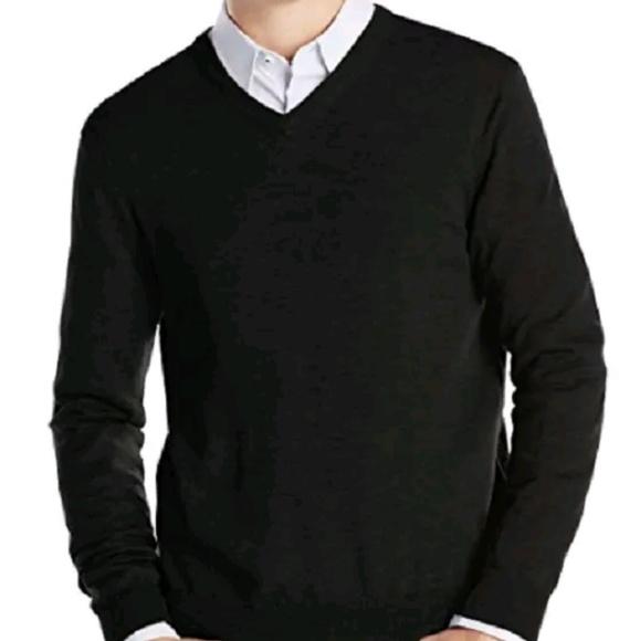 770496f4303e Calvin Klein Other - CK Calvin Klein Light Weight V-neck Sweater LARGE